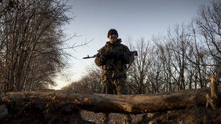 Un milicien prorusse dans la région séparatiste de Louhansk, dans l'est de l'Ukraine, le 5 novembre 2014. (VALERIY MELNIKOV / RIA NOVOSTI / AFP)