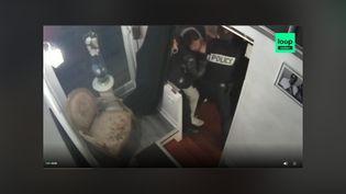 Extrait de la vidéo mise en ligne le 26 novembre par Loopsider montrant le passage à tabac d'un producteur de musique par trois policiers, à Paris. (CAPTURE D'ÉCRAN)