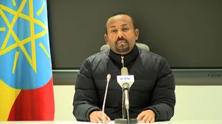 Capture d'image d'une vidéo, le Premier ministre éthiopien Abiy Ahmed ordonne une riposte militaire à une attaque meurtrière contre un camp de l'armée éthiopienne dans le Tigré. Le 4 novembre 2020. ((EBC) / AFP)