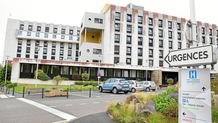 L'hôpital de Lannion dans les Côtes d'Armor où ont été identifiés plusieurs cas de variant breton. (CLEMENT MATHIEU / MAXPPP)