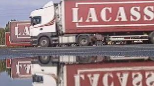 Peu compétitifs, les routiers français se replient de plus en plus sur le marché hexagonal. (FRANCE 3 / FRANCETV INFO)