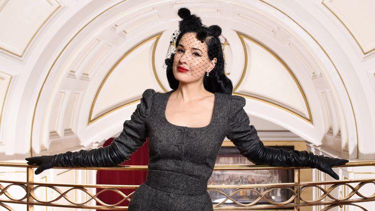 """Dita Von Teese à Londres pour son spectacle """"Glamonatrix"""", le 31 janvier 2020 (MATT CROSSICK / MAXPPP)"""
