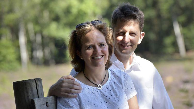 Monique et Robert Hawkins, en août 2016 dans le comté de Surrey, en Angleterre. (DAVE SPINK)