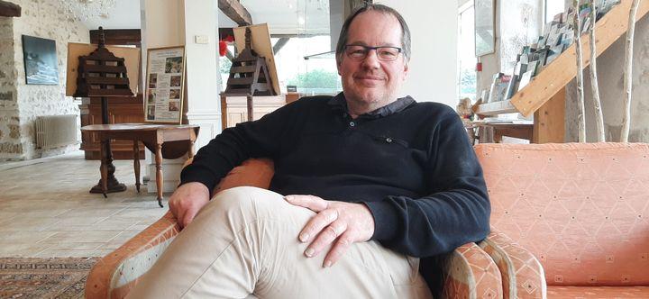 Thierry Baratte, gérant de l'établissement 3 étoiles du Château de Périgny à Vouillé (Vienne). (SEBASTIEN BAER / RADIO FRANCE)