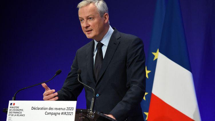 Bruno Le Maire s'exprime lors d'une conférence de presse à Paris, le 8 avril 2021. (ERIC PIERMONT / AFP)