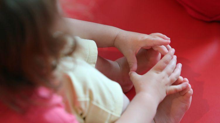 Enfant dans une crèche inter-entreprise. Image d'illustration. (FRANCOIS DESTOC / MAXPPP)