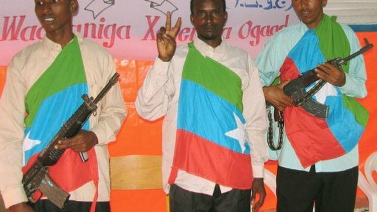 Des combattants du Front national de libération de l'Ogaden, en 2006. (STRINGER / SHABELLE / AFP)