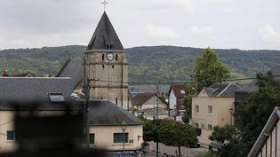 L'église de Saint-Etienne-du-Rouvray (Seine-Maritime), où un prêtre a été assassiné, le 26 juillet 2016. (CHARLY TRIBALLEAU / AFP)