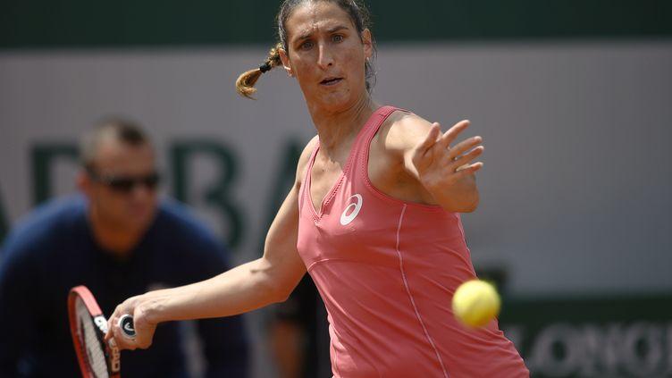 La Française Virginie Razzano lors du tournoi de Roland-Garros, le 25 mai 2015, à Paris. (MIGUEL MEDINA / AFP)