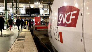 Un TGV à quai, gare du Nord, à Paris (illustration). (AURÉLIEN ACCART / RADIO FRANCE)