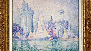 Le Port de la Rochelle de Paul Signac, volé en mai 2018, a été restitué aumusée des Beaux-Artsde Nancy, le 12 février 2021. (ALEXANDRE MARCHI / MAXPPP)