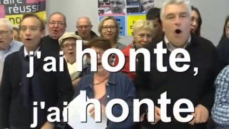 Capture d'écran d'une vidéo dans laquelle l'ancien ministre Frédéric Cuvillier pousse la chansonnette contre le Front national. (FACEBOOK)