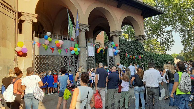 La rentréescolaire le 14 septembre 2020 dans un école primaire du centre historique de Rome. (BRUCE DE GALZAIN / RADIO FRANCE)