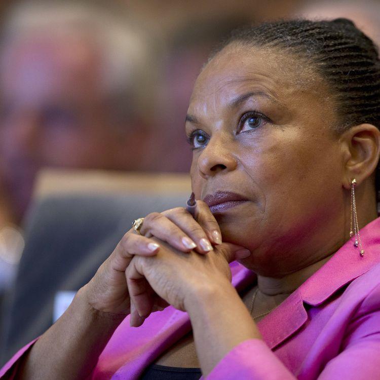 La garde des Sceaux, Christiane Taubira, assiste à une assemblée générale du Conseil national du barreau, à Paris, le 4 octobre 2013. (JOEL SAGET / AFP)