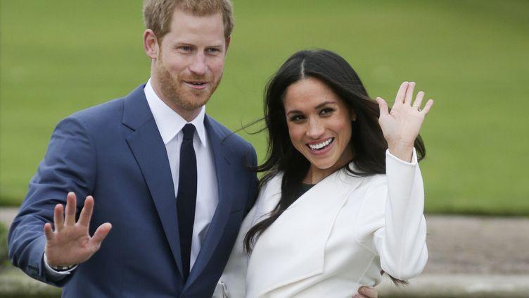 Le prince Harry et Meghan Marklele 27 novembre 2017 à Londres. (DANIEL LEAL-OLIVAS / AFP)