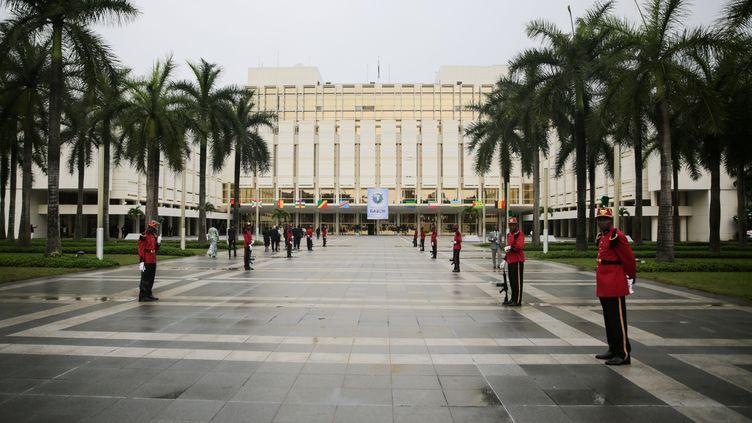 Le palais présidentiel de Libreville photographié le 18 décembre 2019. (STEVE JORDAN / AFP)
