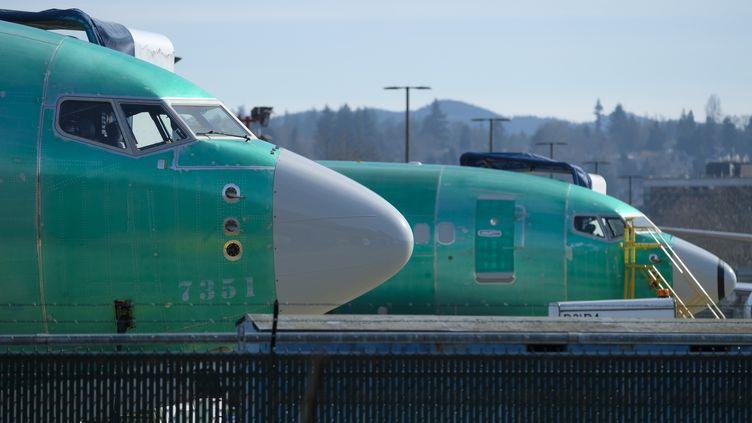 Deux Boeings 737 MAX 8 à Renton dans l'Etat de Washington, le 11 mars 2019. (STEPHEN BRASHEAR / GETTY IMAGES NORTH AMERICA / AFP)