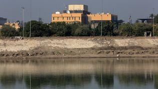 L'ambassade américaine à Bagdad, le 3 janvier 2020. (MURTADHA SUDANI / ANADOLU AGENCY / AFP)