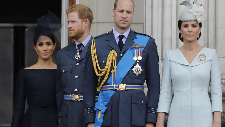 Meghan Markle, les prince Harry et William et Kate Middleton, le 10 juillet 2018 à Londres (Royaume-Uni). (TOLGA AKMEN / AFP)