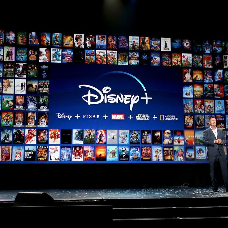 Kevin Mayer, président du conseil d'administration de la division Direct-to-Consumer & International de The Walt Disney Company lors d'une présentation de Disney+ à Anaheim (Californie, Etats-Unis), le 23 août 2019. (JESSE GRANT / GETTY IMAGES / AFP)