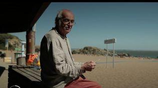 Des lieux devenus des décors du cinéma : zoom sur la petite station balnéaire de Saint-Marc-sur-mer (Loire-Atlantique). Jacques Tati a posé sa caméra en 1951 pour y raconter les vacances drôles et poétiques de Monsieur Hulot. (France 2)