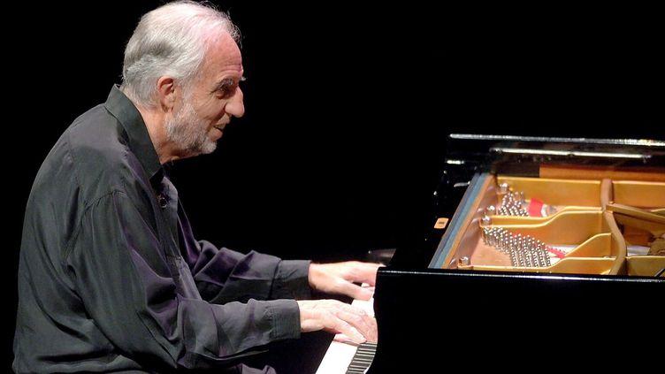 Le pianiste français Jacques Loussier au festival de jazz de San Sebastian en juillet 2006.  (Javier Echezarreta/EPA/MaxPPP)