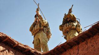 Des soldats australiens lors d'une opération dans le sud de l'Afghanistan, le 21 octobre 2009. (STU DOOD / AUSTRALIAN DEPARTMENT OF DEFENCE / AFP)