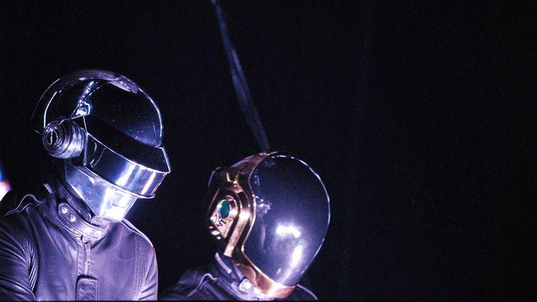 Les Daft Punk en concert à Bercy, le 14 juin 2007. (MIGUEL MEDINA / AFP)