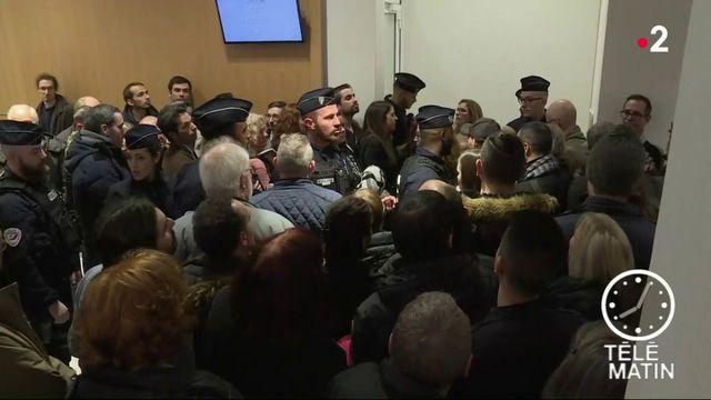 Christophe Dettinger, le boxeur de gendarmes, condamné à un an de prison ferme