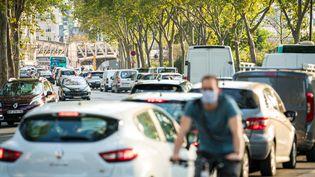 Le bruit routier représente 52% des coûts calculés par l'ADEME. (GABRIELLE CEZARD / HANS LUCAS)