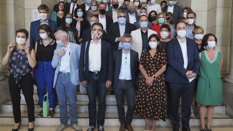 Une vingtaine de maires de villes de gauchese sont rassemblés à Toursce mardi pour lancer un nouveau réseau d'élus (GUILLAUME SOUVANT / AFP)