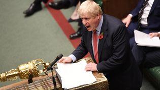 Le Premier ministre britannique Boris Johnson lors du débat sur la tenue d'élections anticipées, à la Chambre des communes, le 29 octobre 2019. (HANDOUT / REUTERS)