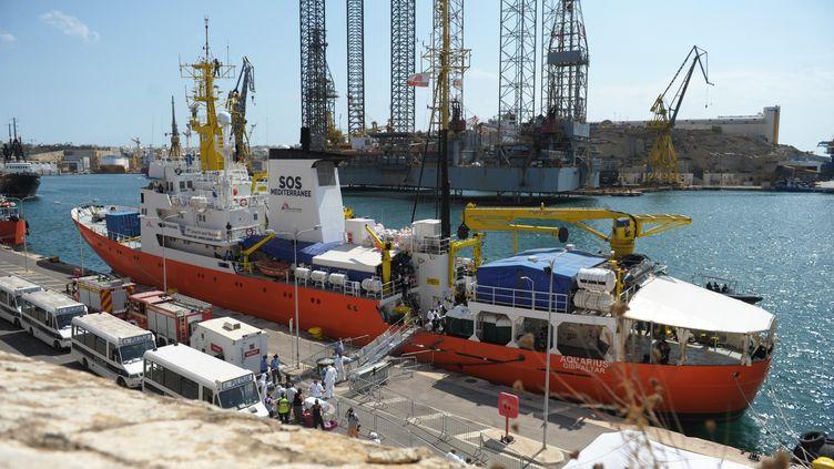 """Le navire l'""""Aquarius"""" le 15 août 2018 à Malte. (MATTHEW MIRABELLI / AFP)"""