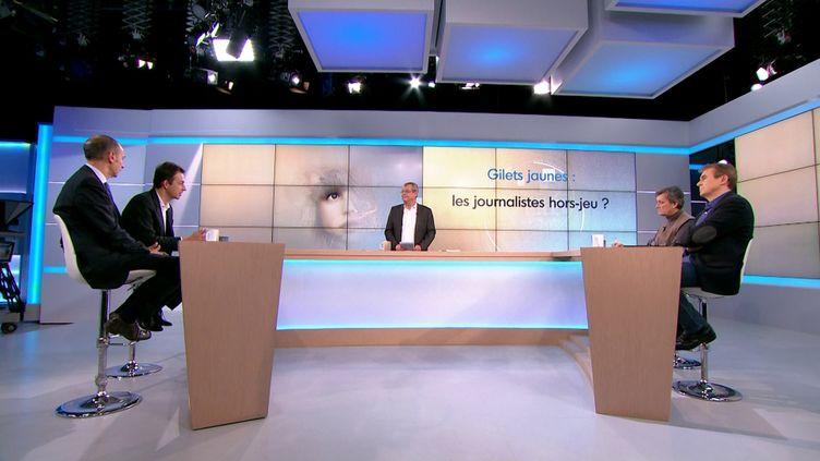 """Plateau Votre Télé et Vous """"Gilets Jaunes : les journalistes hors-jeux ?"""" (Vtev)"""