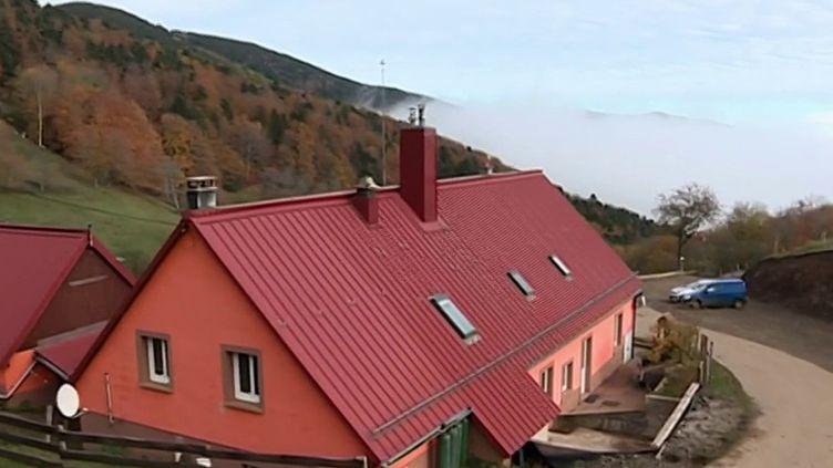 Dans le Haut-Rhin, les fermes auberges viennent de fermer leurs portes exceptée une: celle du Kohlschlag. (France 3)