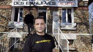 Le porte-parole del'association AC le Feu,Mohammed Mechmache, le 12 mars 2012. (BERTRAND GUAY / AFP)