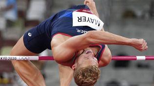 Le Français Kevin Mayer au concours de la hauteur du décathlon olympique à Tokyo, le 4 août 2021. (MATTHIAS SCHRADER / AP)