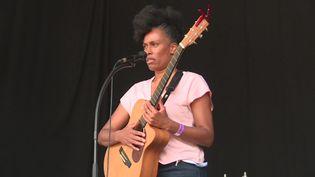 La chanteuse Sandra Nkaké lors de la première édition du Niort Jazz Festival. (France 3 Poitou-Charentes)