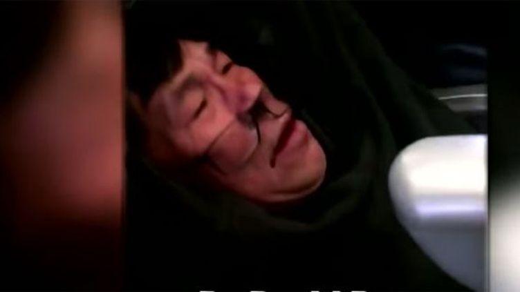 David Dao, le passager violemment expulsé d'un avion de la United Airlines le 9 avril 2017. (DR (capture d'écran))