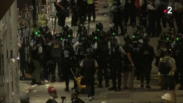 Hong Kong : affrontements entre manifestants les forces de l'ordre