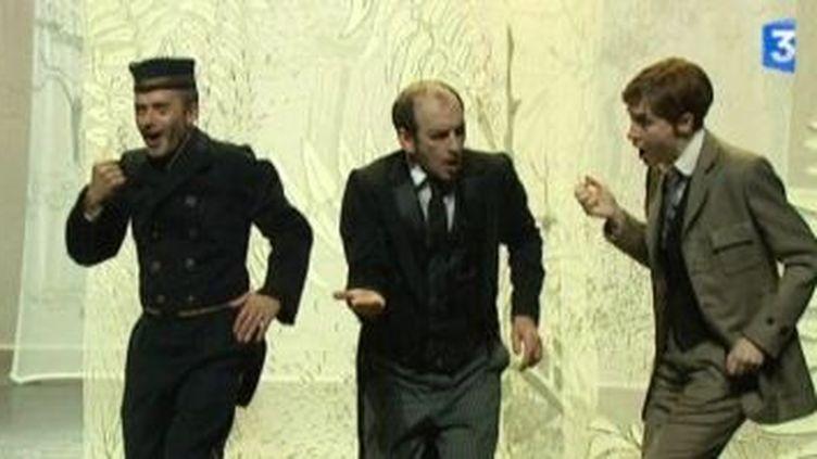 """Lambert Wilson met en scène """"La fausse suivante"""" aux Bouffes du Nord  (Culturebox)"""
