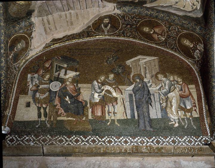 """""""Le recensement, Marie et Joseph devant Herode Ier le Grand (73 av. JC-4 av. JC)"""" Mosaique de 1310-1320. Eglise Saint-Sauveur-in-Chora (Saint Sauveur in Chora ou Kariye Camii). (leemage via AFP)"""