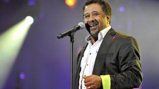 Le chanteur de raï Cheb Khaled lors du festival Rythmes du monde à Rabat (Maroc), le 22 mai 2012. (FADEL SENNA / AFP)