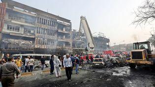 L'attentat à la voiture piégée a visé un rassemblement de chiites, à Bagdad (Irak), dimanche 3 juillet 2016. (ALI ABBAS / EPA)