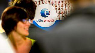 Un stand de Pôle emploi, lors d'un salon de l'emploi à Lille (Nord), le 28 mai 2015. (PHILIPPE HUGUEN / AFP)