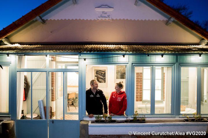 Romain Attanasio et Samantha Davies confinés en Bretagne avant le départ
