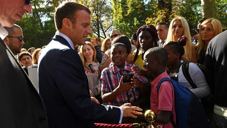Emmanuel Macron lors des Journées européennes du Patrimoine, le 15 septembre 2018, au palais de l'Elysée, à Paris. (ANNE-CHRISTINE POUJOULAT / AFP)