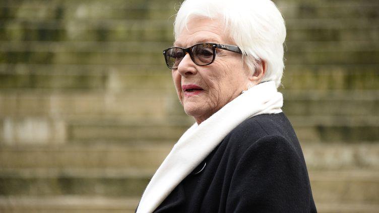 L'actrice Line Renaud lors des obsèques de Michel Galabru à l'église Saint-Roch à Paris, le 12 janvier 2016. (BERTRAND GUAY / AFP)