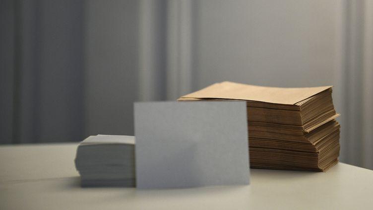 A Lyon, les bulletins blancs ont été mal comptabilisés dans un premier temps. (MARTIN BUREAU / AFP)