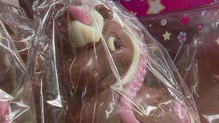 Àquelques jours de Pâques, les équipes de France Télévisions s'intéressent à la star de la saison : le chocolat. En Alsace, un chocolatier créateur a délaissé les traditionnels lapins et poules pour des créatures plus tendances : les licornes. (France 2)